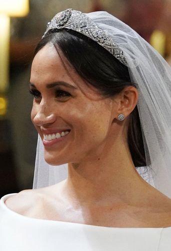 tiara meghan markel-resize